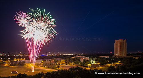 capitol_fireworks_26204