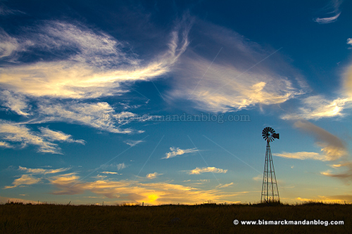 windmill_clouds_27372-4_hdr